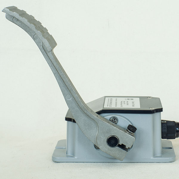 Hall-Effect 0-5V Throttle (Foot Pedal) IPPD